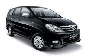 sewa mobil innova di bali warna hitam
